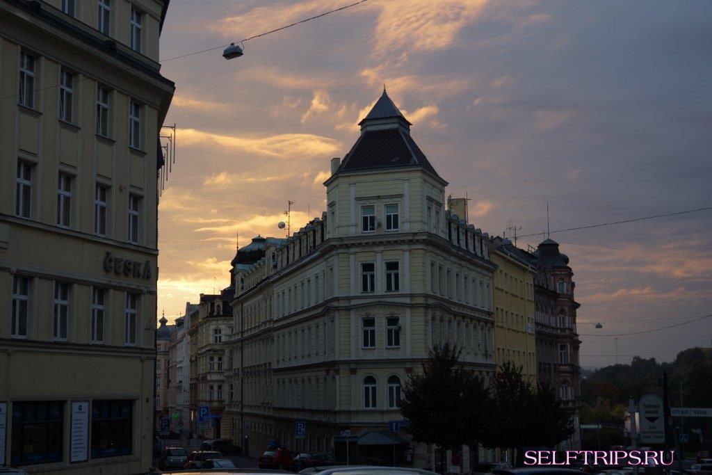 Прага - Castle Karlštejn – Карловы Вары.