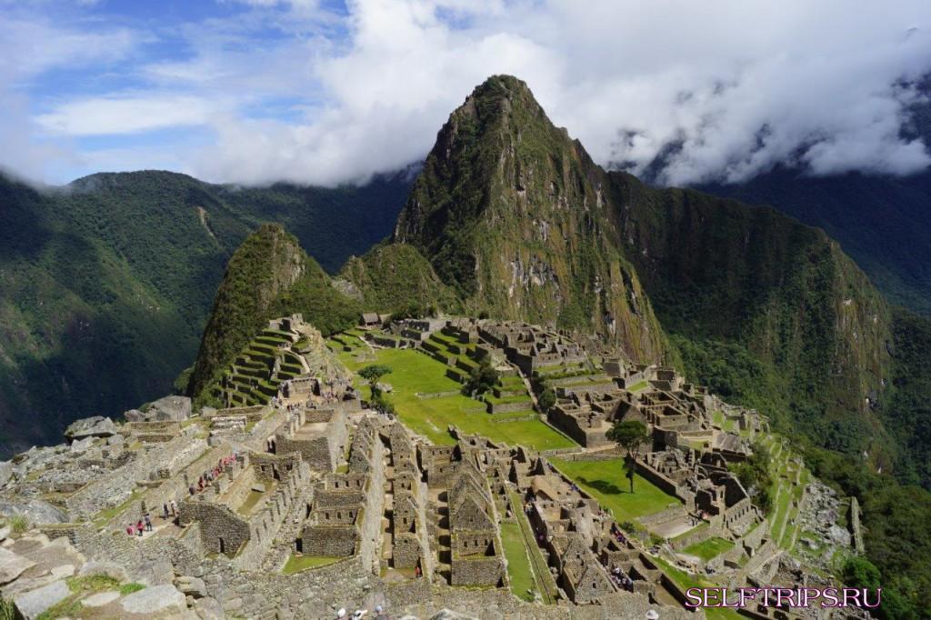 Мачу-Пикчу – заброшенный город Инков.