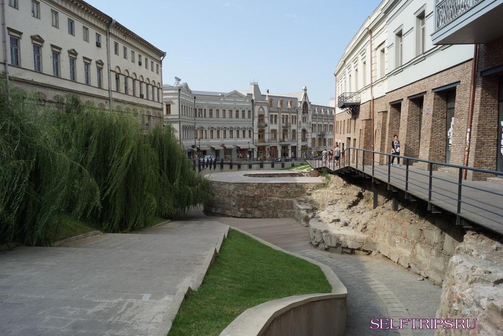 День 22: Тбилиси днем и ночью! В Европу на машине-2