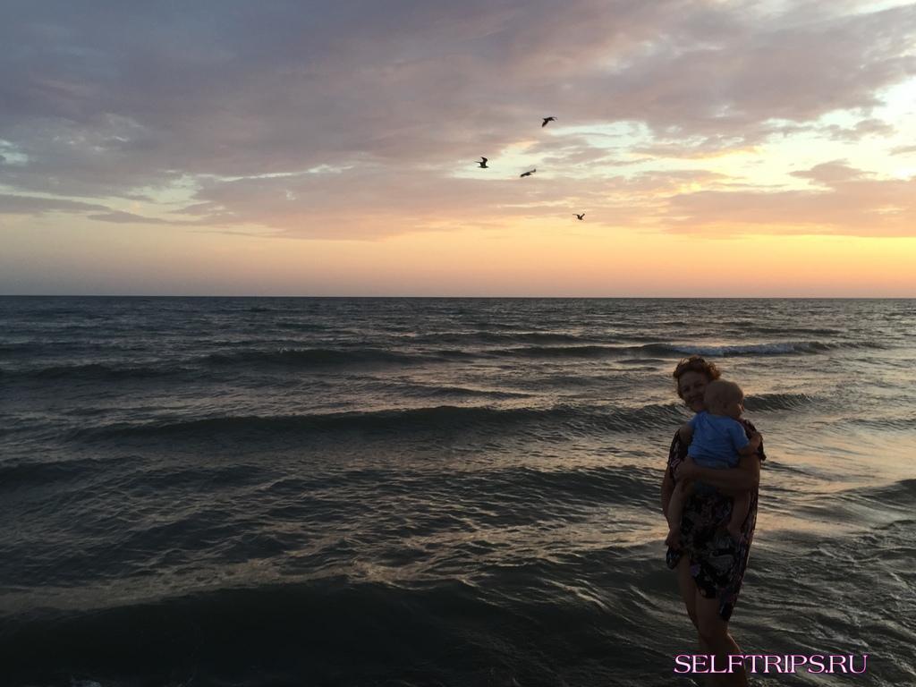 День 35: Шикарный закат и море Черногории! 15 км пляжа! В Европу на машине-2