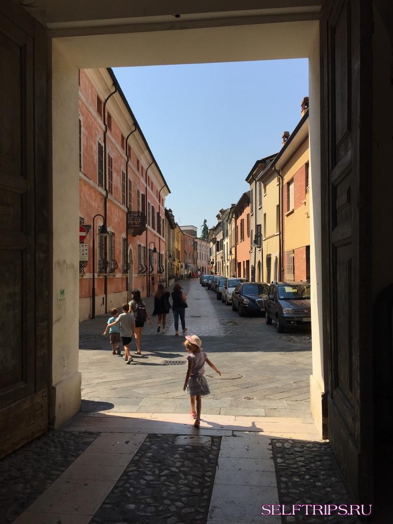 День 44: Первое вечернее знакомство с Римом. В Европу на машине-2