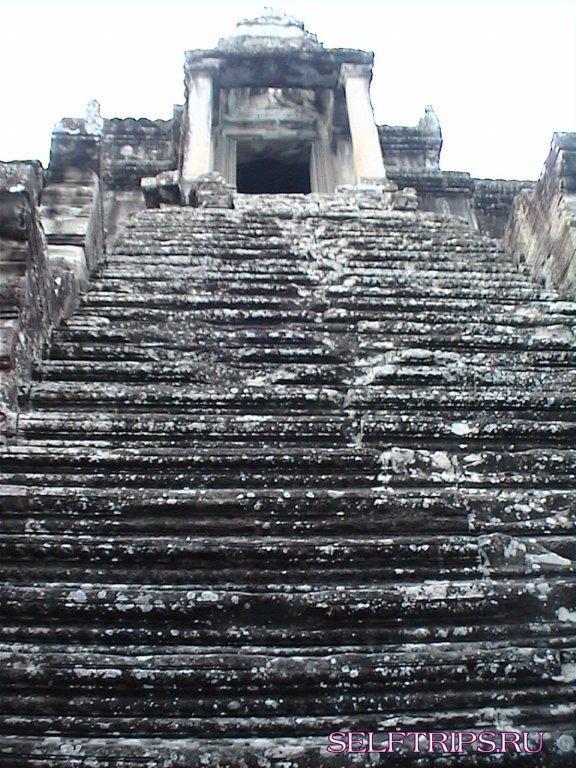 Храмовый комплекс Ангкор самостоятельно.
